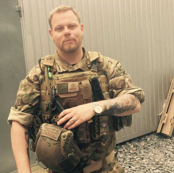Francotirador sueco Michael Skillt en Ucrania.